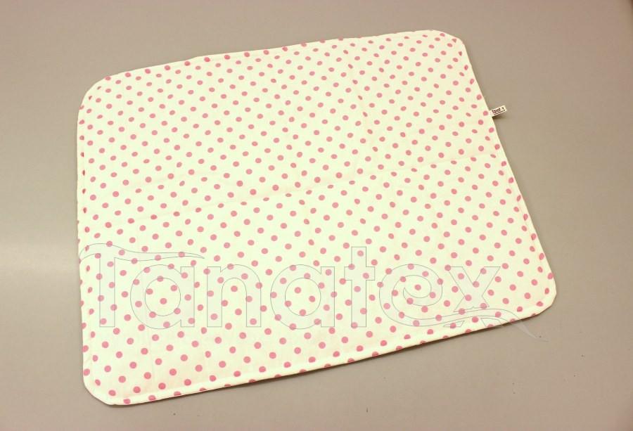 Pratelná podložka - růžové puntíky na bílé